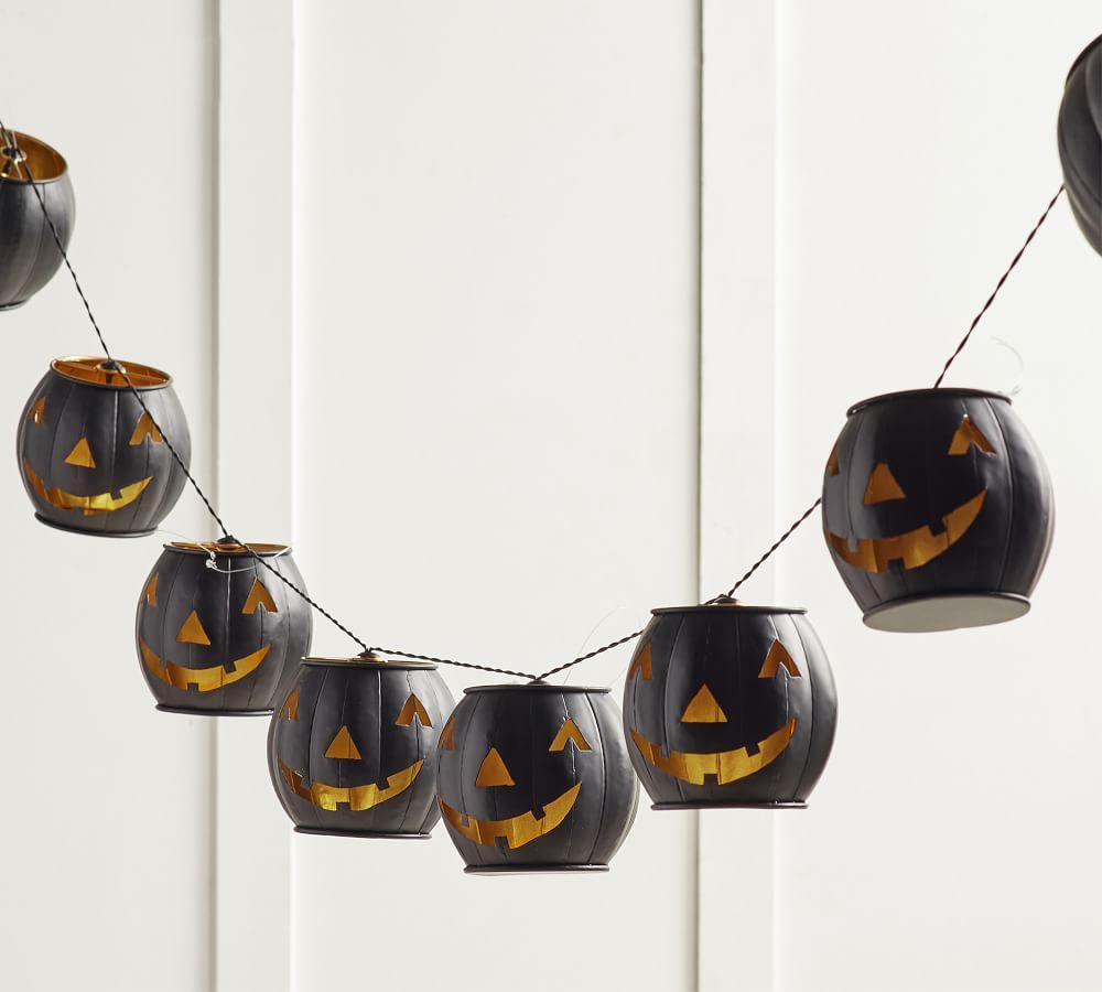 Fall Home Decor Metal Black Jack-O-Lantern String Lights Pottery Barn #Fall #HomeDecor #Harvest #AutumnDecor #Pumpkins