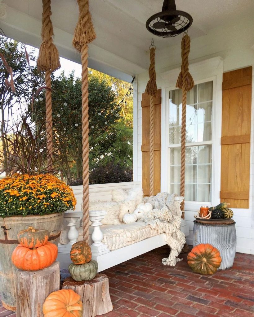 In 10 #Fall #Porch #FallPorch #FallDecor #HomeDecor #AutumnDecor