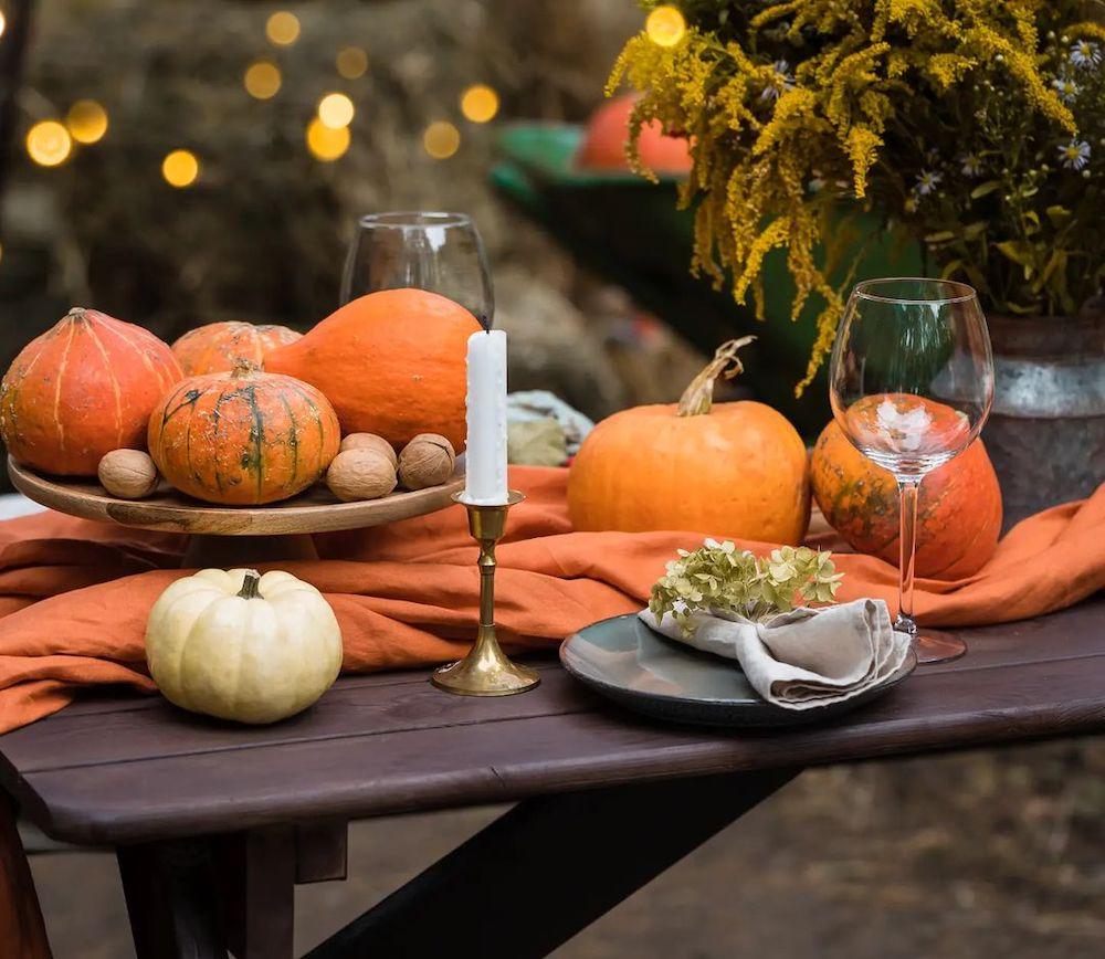 In 11 #Fall #Tablescapes #FallDecor #HomeDecor #AutumnDecor
