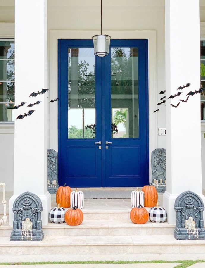 15 Halloween Porch Decor Ideas that are Super Spooky!