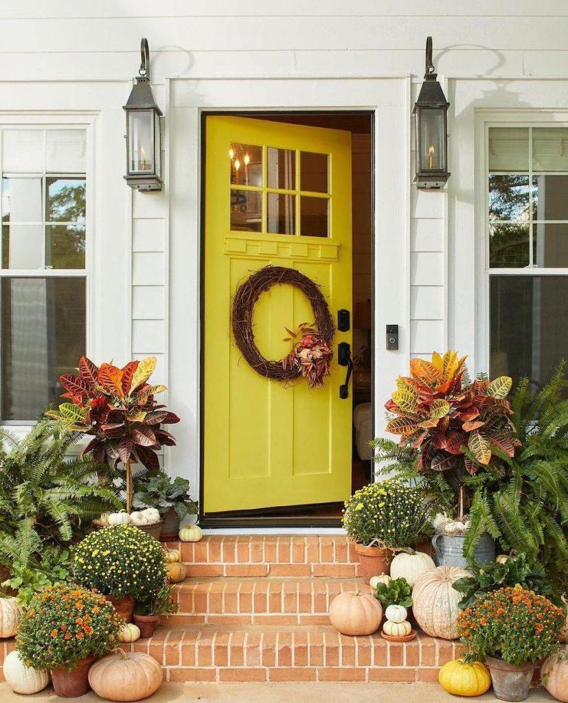 In 13 #Fall #Porch #FallPorch #FallDecor #HomeDecor #AutumnDecor