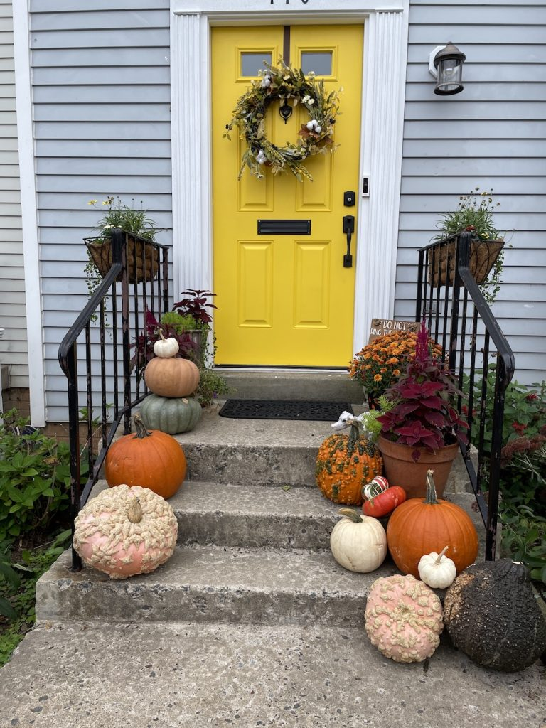 Fall Porch Styling Ideas In 18 Leesburg_1736