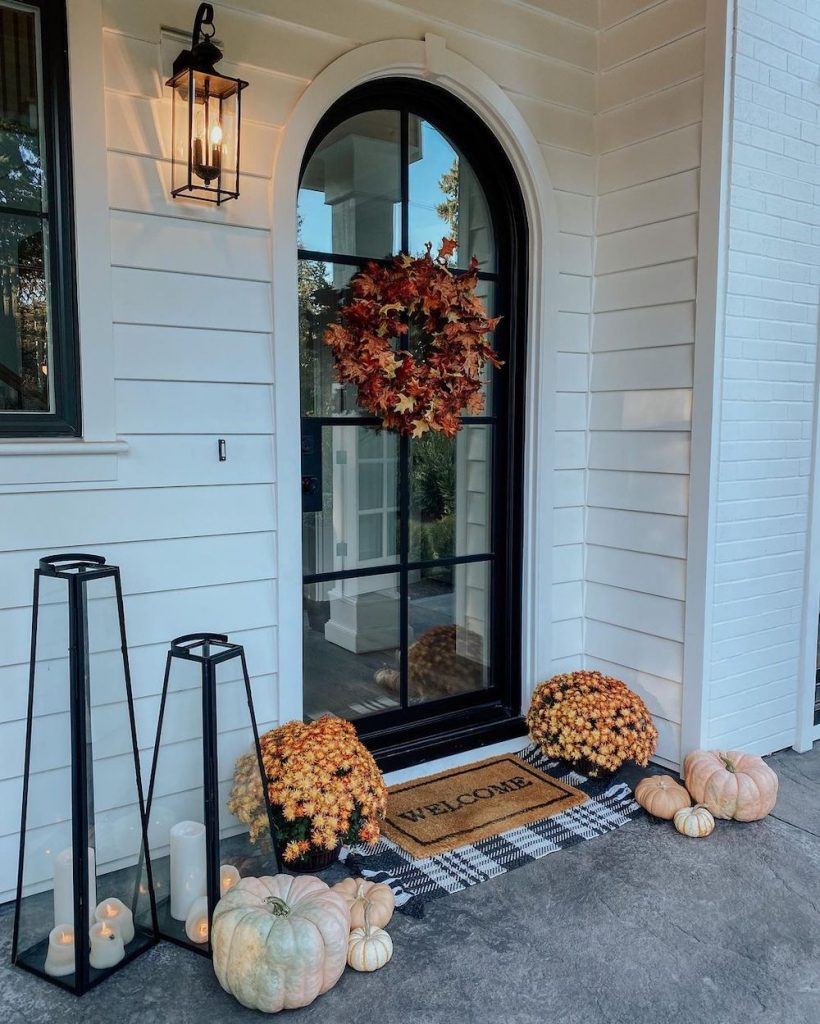 In 20 2 #Fall #Porch #FallPorch #FallDecor #HomeDecor #AutumnDecor