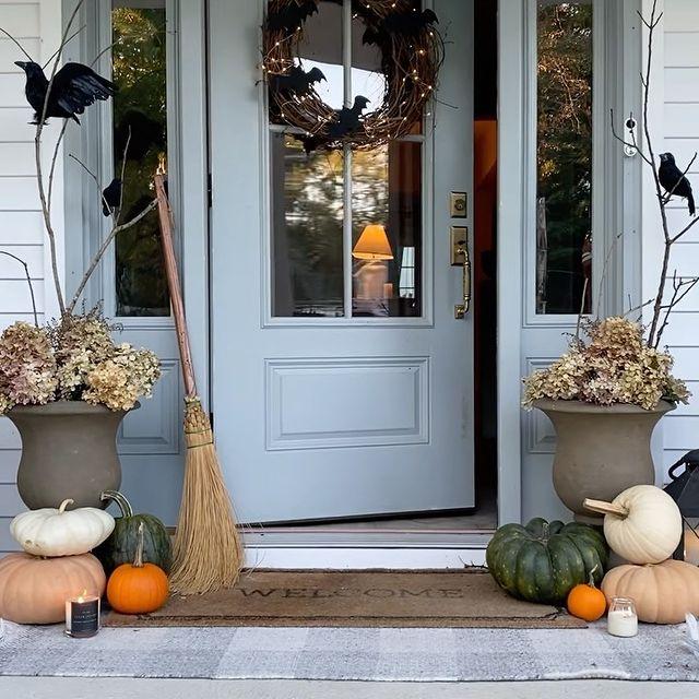 In 26 #Fall #Porch #FallPorch #FallDecor #HomeDecor #AutumnDecor