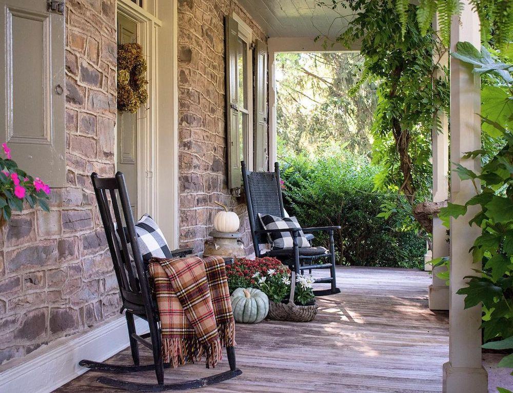 In 30 1 #Fall #Porch #FallPorch #FallDecor #HomeDecor #AutumnDecor