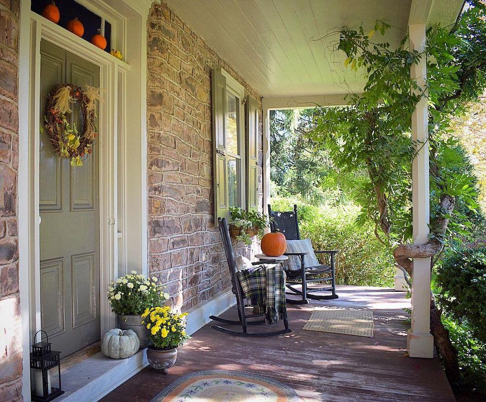 In 30 2 #Fall #Porch #FallPorch #FallDecor #HomeDecor #AutumnDecor