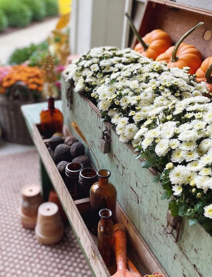 35 Most Inspiring Fall Porch Styling Ideas to Celebrate the Season