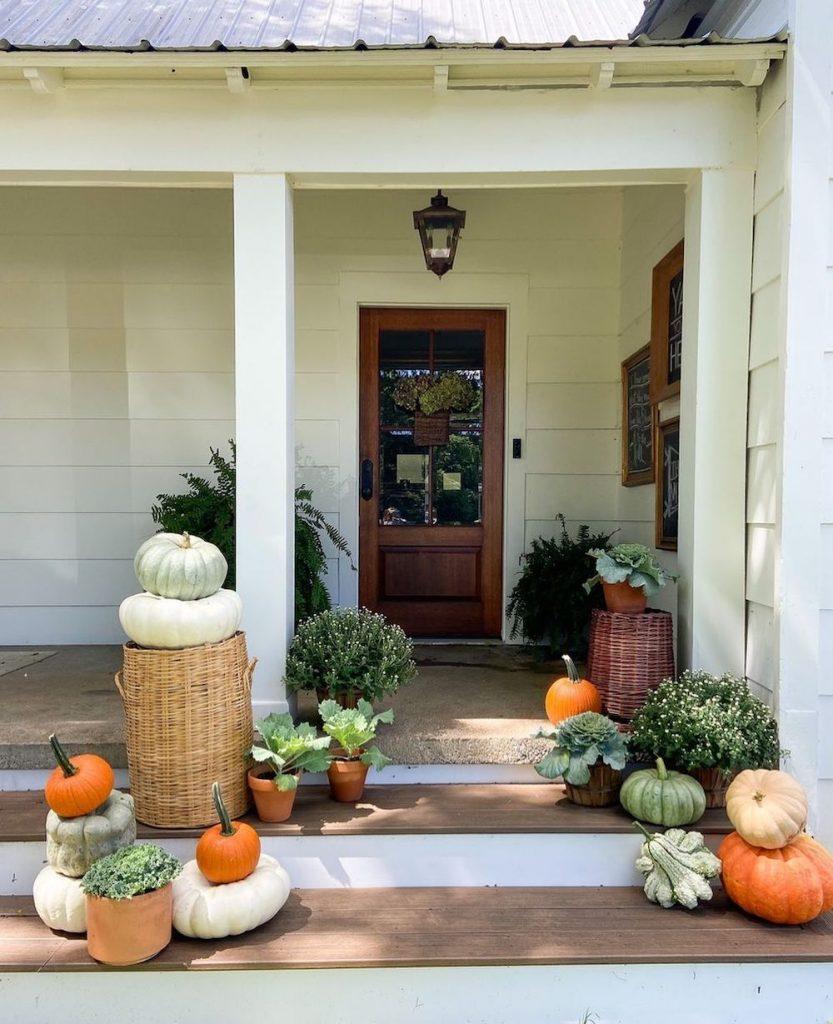 In 5 1 #Fall #Porch #FallPorch #FallDecor #HomeDecor #AutumnDecor