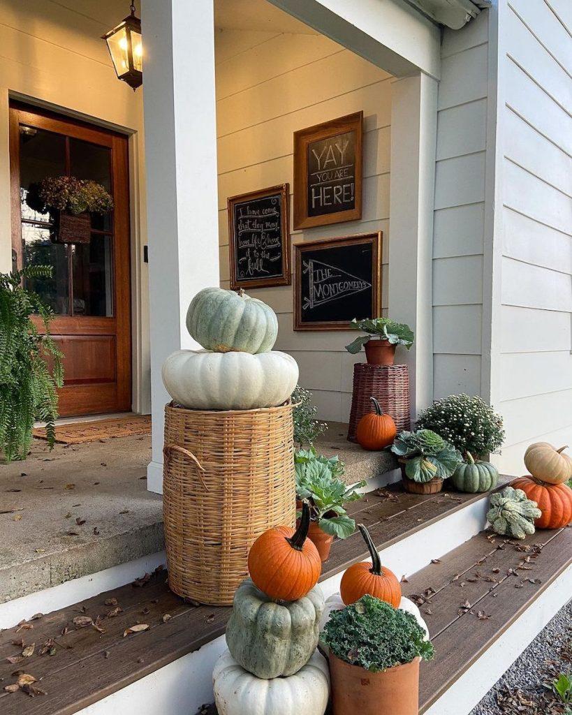 Fall Porch Styling Ideas In 5 2 #Fall #Porch #FallPorch #FallDecor #HomeDecor #AutumnDecor