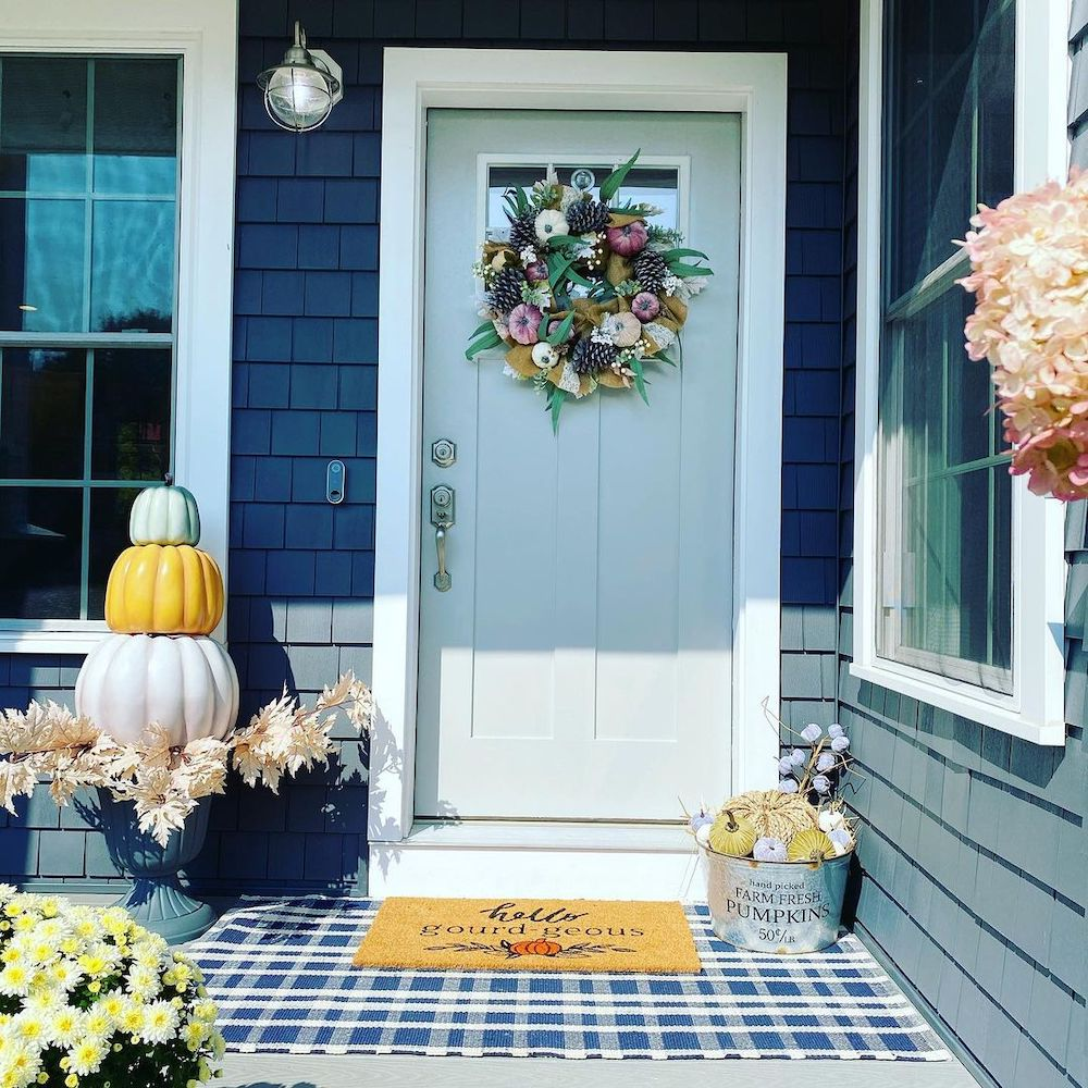 In 6 #Fall #Porch #FallPorch #FallDecor #HomeDecor #AutumnDecor