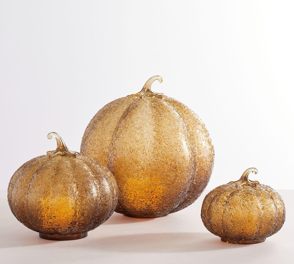 Fall Mantel Styling Ideas Textured Glass Amber Pumpkin Cloche #Fall #FallMantel #FallDecor #HomeDecor #AutumnDecor